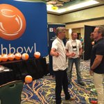 Dave Bauerle explaining to me how my company works @DaveBauerle @DamiraMaricic @fishbowl #ScalingNewHeights #SNH16 https://t.co/pMDSx1lBAO