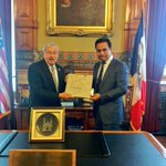 Minister KTR met Iowa Governor @TerryBranstad at State Capitol today. https://t.co/Pcqi2ARdN5