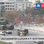 ????#T13Móvil   Estudiantes comienzan a llegar a Parque Bustamante para marcha no autorizada https://t.co/rHFBPIhXgT https://t.co/MqTABOx2jk