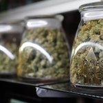 Congreso de Colombia aprueba ley que permite uso medicinal de marihuana https://t.co/dr1GDiq2lX https://t.co/9snydK2tVO