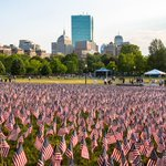 37,000 flags are blanketing Boston Common to honor fallen soldiers https://t.co/YIaMSaTmSp https://t.co/SNcY71NoEg