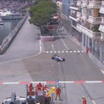 YELLOW FLAG: Haryanto tells @ManorRacing team hes OK after crashing into barriers out of the tunnel #MonacoGP #FP2 https://t.co/ctbhWY6Xc5