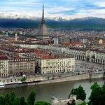 La corsa attraversa Torino, la storica città capoluogo che nel 2016 ospita la conclusione finale della Corsa Rosa. https://t.co/lEvZ7CF2Hq