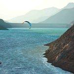 El EMBALSE PUCLARO en el #ValleDeElqui de la #RegiónDeCoquimbo es el MEJOR lugar de #Chile para el #kitesurf https://t.co/uIL5VjZZnQ
