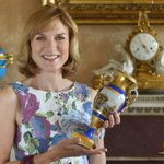 Get ready #Solihull - Fiona Bruce is bringing The Antiques Roadshow to Baddesley Clinton!  https://t.co/HCDxl9VmpD https://t.co/NTD74pGcKi