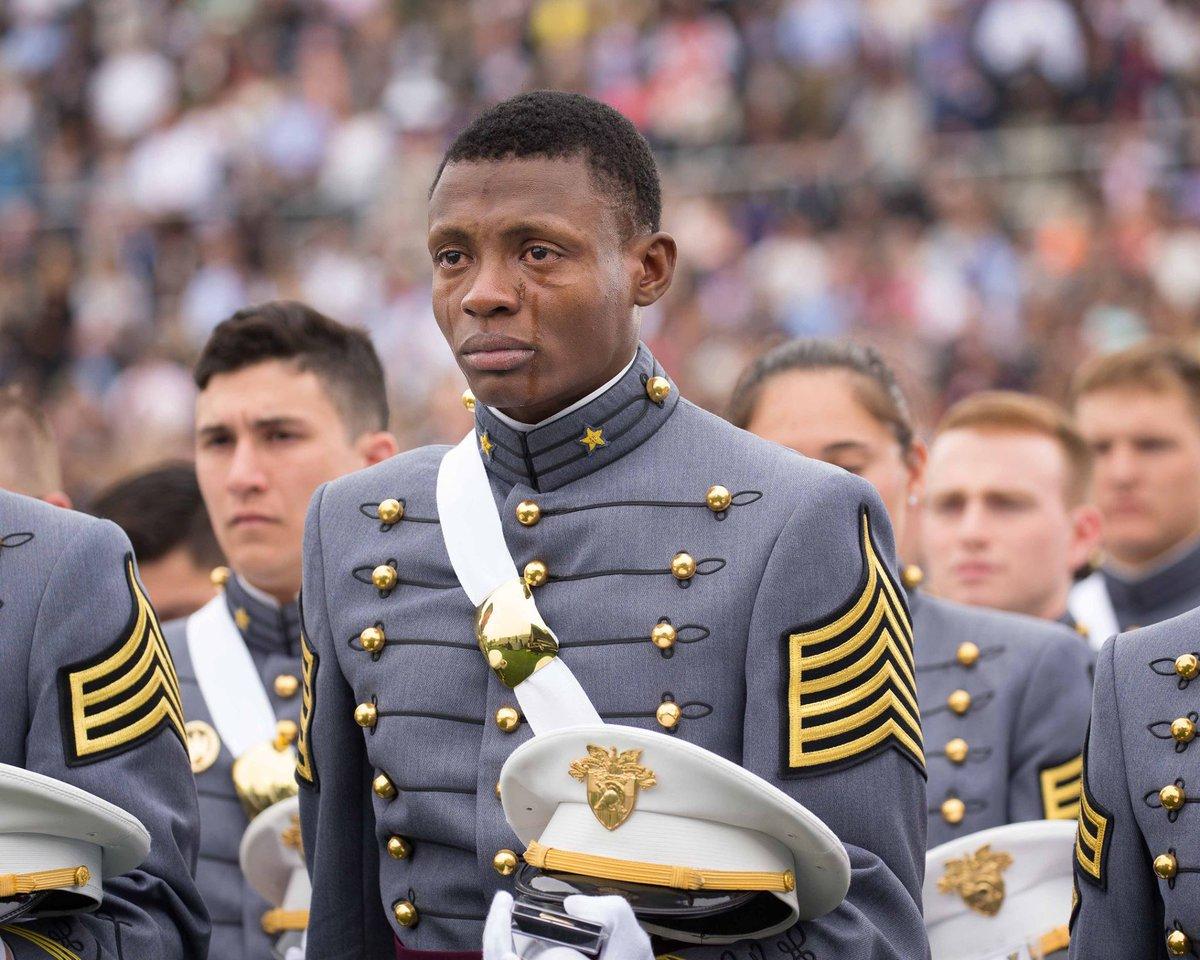 Read the story behind 2nd Lt. Alix Idrache's tears at #USMA2016 Graduation  https://t.co/F5ta7LsHm1 https://t.co/SNbetxnf32