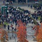 ???? AHORA | Marcha estudiantes: Levantan primeras barricadas en calle Rancagua https://t.co/Vt0CsByMMe https://t.co/agzJ6g6BaM