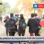 Alameda se encuentra bloqueada por incidentes. Sigue todos los detalles en #T13Móvil https://t.co/PhUPwZaQvi https://t.co/m73RtfPnUr