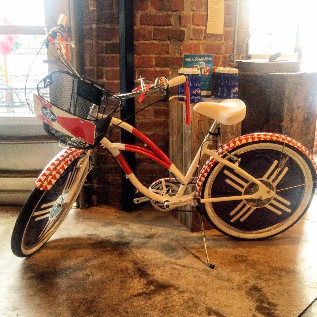 Enter to win a custom #ICTbike from @intrustbank (Shown at @MonarchICT) https://t.co/mF7Kw19ePs https://t.co/or4E5lfMZr #ILoveWichita