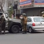 ???? AHORA | Un lesionado deja colisión de carro lanza gases en Vicuña Mackenna https://t.co/Vt0CsByMMe https://t.co/OZSJarZDur