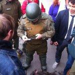 La represión n #MarchaEstudiantil es INACEPTABLE ¿@Carabdechile con ametralladoras? ¡NO acallarán nuestras demandas! https://t.co/1MkpZLIwC4
