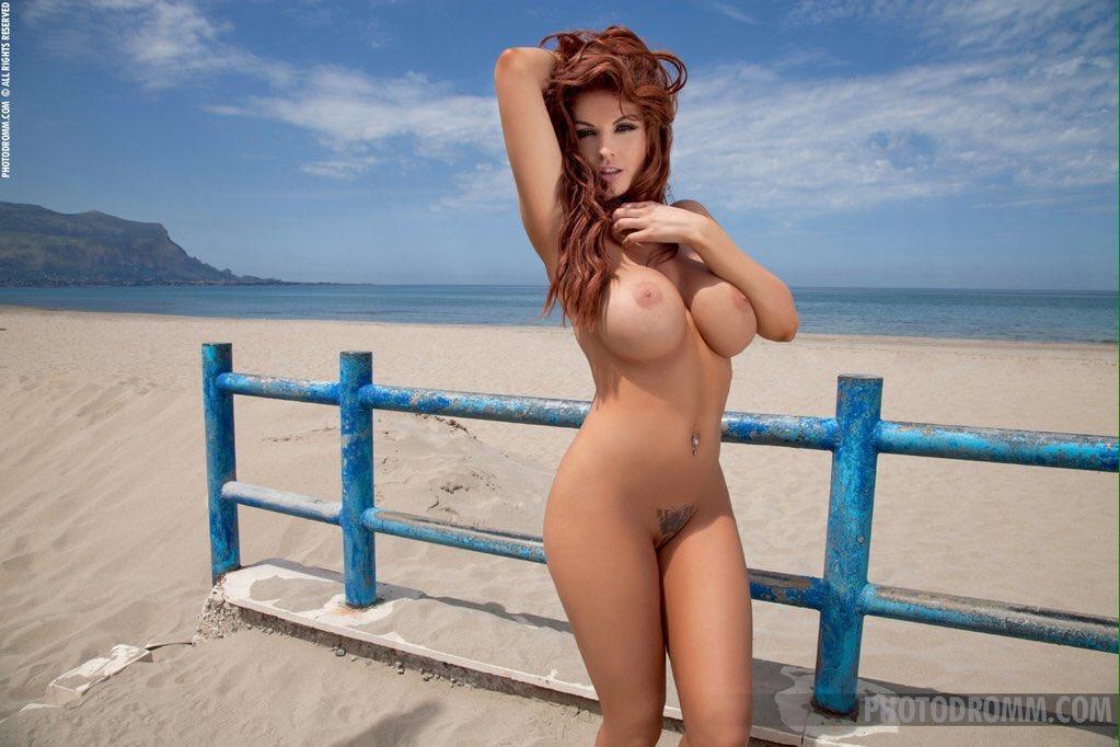Фото голой красотки томми джо