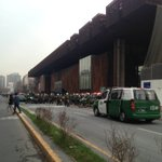 Intendente no quería la Alameda bloqueada pero a esta hora carabineros interrumpe completamente el tránsito #fb https://t.co/t0naA4nMZy