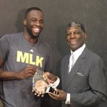 Congrats @Money23Green on receiving the Alvin Attles Community Impact Award! Very well deserved 👏🏽 https://t.co/vQqmNEFJp6