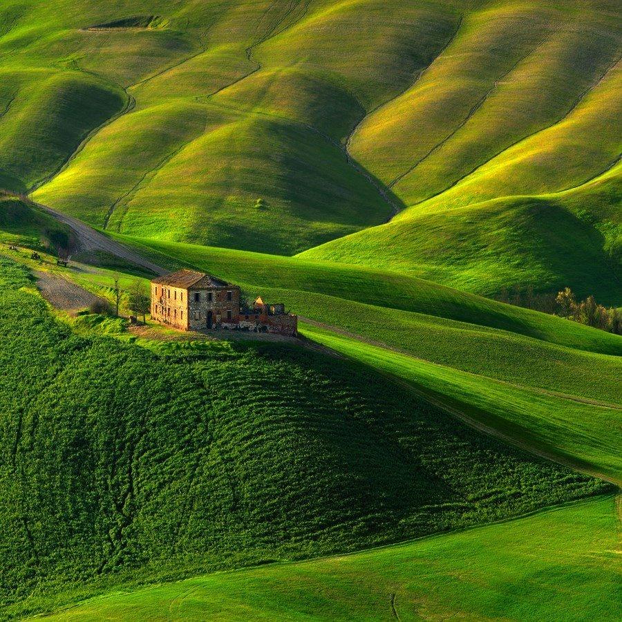 Old farm, #Tuscany | Photography by ©Pawel Kucharski https://t.co/wzhylluwzc