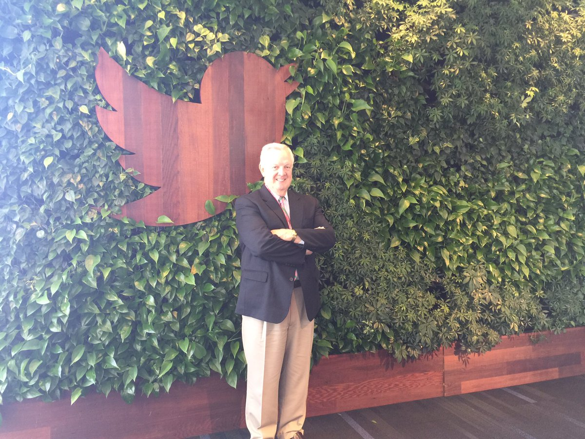Hey @twitter thx for hosting Pres Stone @Sweetbriaredu to chat about building a diverse tech pipeline. #sweetbriar https://t.co/yIUUUNJxql