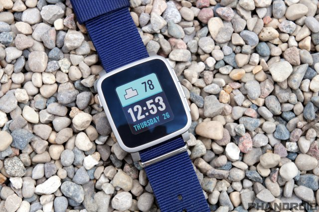 RT @Phandroid 5 reasons why I prefer @Pebble over @AndroidWear https://t.co/Y6b061G577 https://t.co/Cfs1xtW1hu