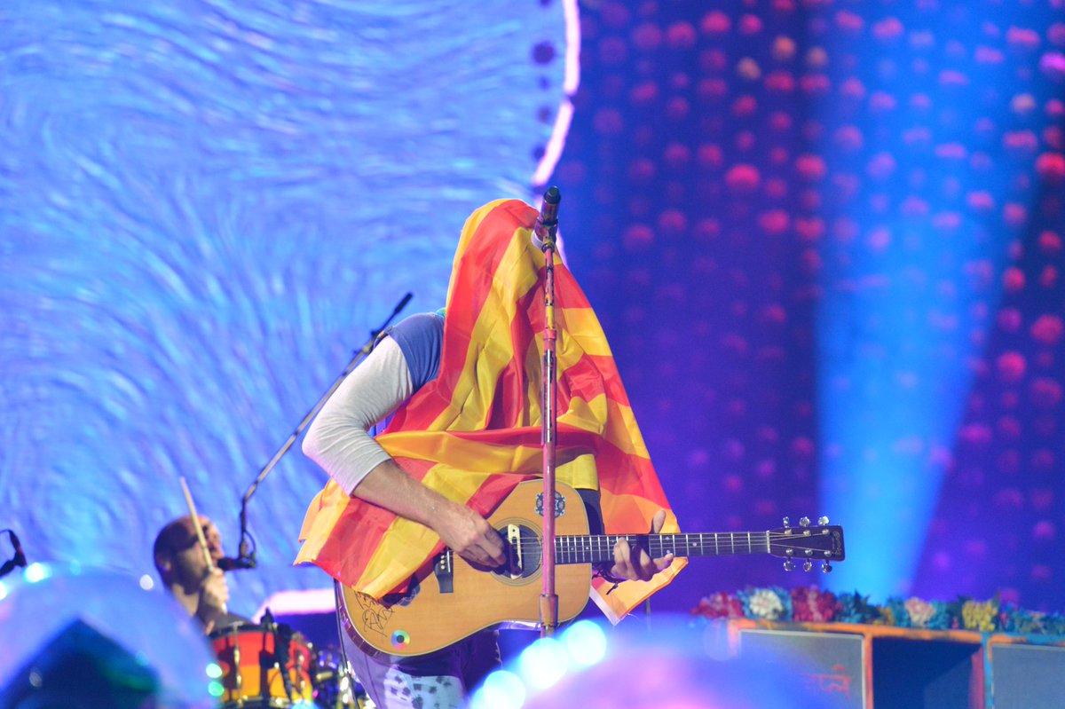 En #ChrisMartin de @coldplay a l'#EstadiLluisCompanys fa uns moments #ColdplayBarcelona https://t.co/qPXUOMuy3m