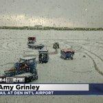 THATS NOT SNOW ... ITS HAIL!!! @DENAirport @SouthwestAir #COwx #4wx https://t.co/8kF0AIQGVd