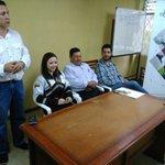 Gobernadora @johaortizv y @MAGAP_Loja  entregan unidades de pasto a ganaderos de Puyango y Celica #GobiernoContigo https://t.co/qT02uil5I4