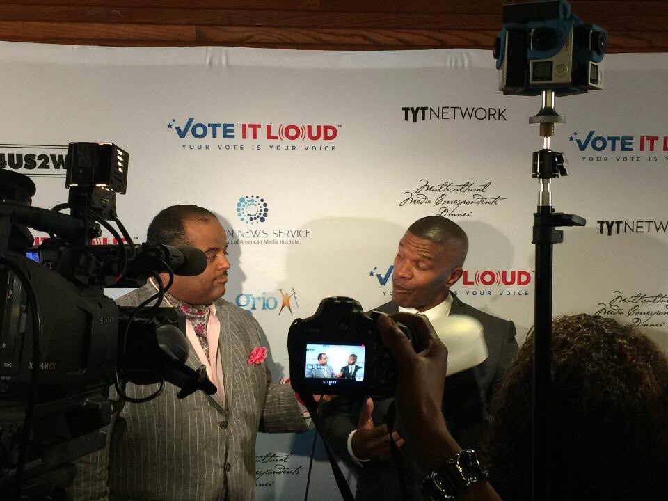 .@rolandsmartin chats with Jamie Foxx at the Vote It Loud Inaugural Multicultural Media Correspondents Dinner! https://t.co/g5t7vq4Pch