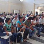 En Alamor se encuentra una familia damnificada por el #TerremotoEcuador hoy se reunieron con @johaortizv @maxiniguez https://t.co/i5P1Opsnlz