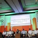 Damos la bienvenida a #Jalisco a la Secretaria de Desarrollo Agrario, Territorial y Urbano, @Rosario_Robles_. https://t.co/MkhhkaSGgv