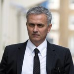 Football: @ManUtd name Mourinho as new manager https://t.co/08ygtO5UlV https://t.co/f9kh7NF6iL