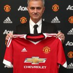 Official: Jose Mourinho is now the new manager of Manchester United! https://t.co/SXSACG8jLv