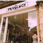 @frivology Beautiful gem of a shop in Fulham #lovelondon #vintage #festivalready #HappyFriday #bankholidayweekend https://t.co/N3Aao5cbaD