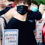 160527 #방탄소년단 #정국 #JUNGKOOK 김포출국 정국귀요미,잘 다녀오세용!!!! https://t.co/vLZfBh0aNu
