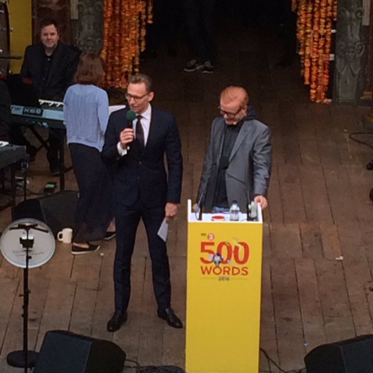 Tom Hiddleston reads Silver prize winning story on @BBCRadio2 by Clara Cowan from Scotland about dementia #500words https://t.co/53TfIJRs3f