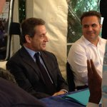 """#Sarkozy inaugure un nouveau surnom pour #Hollande depuis La Réunion : """"le marchand de sable"""" https://t.co/mvrdGllNeW"""