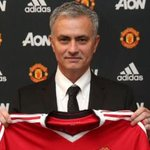 Man Utd confirm Jose Mourinho as new boss. Follow here: https://t.co/oOT6mxywy3 https://t.co/nwwgxCQORX