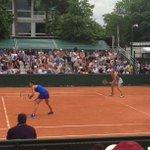#RG16 @CaroGarcia et @KikiMladenovic remportent leur double 6-4, 6-2 ! ???????? ???????????? https://t.co/dHqgvNTxZC