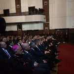 Vlada pred raspadom, Oreskovic s predsjednicom mirno gleda film o Oruzanim snagama RH #politikahr #N1info @VladaRH https://t.co/KUyosBs8O0