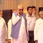 See Farook Abdullahs mobile call during national anthem in Kolkata today https://t.co/2lz8m7Y9yD