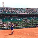 Les deux anciennes finalistes Stosur et Safarova sont à un set partout 6-3 6-7 #RG16 https://t.co/SNaG1AP1qz