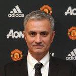 """Mourinho : """"Manchester United, cest un club géant. Ces clubs géants sont pour les meilleurs entraîneurs"""" https://t.co/arsNMugdsV"""