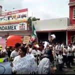 A los que no hemos podido sumarnos a la marcha propongo darle máxima difusión en la red #VivanLosMaestrosDeMexico https://t.co/RZO9heMWpF