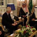 Hypocrisy: No gender parity at Dions meeting with Saudi King @ezralevant https://t.co/niYodDqfeu #cdnpoli #tcot https://t.co/I3GIV62USA
