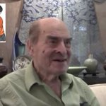Incredible! Dr. Heimlich, 96, finally uses his manoeuvre to help 87-year-old https://t.co/5mwYnCzCsb via @enquirer https://t.co/NOlU0OGiWx