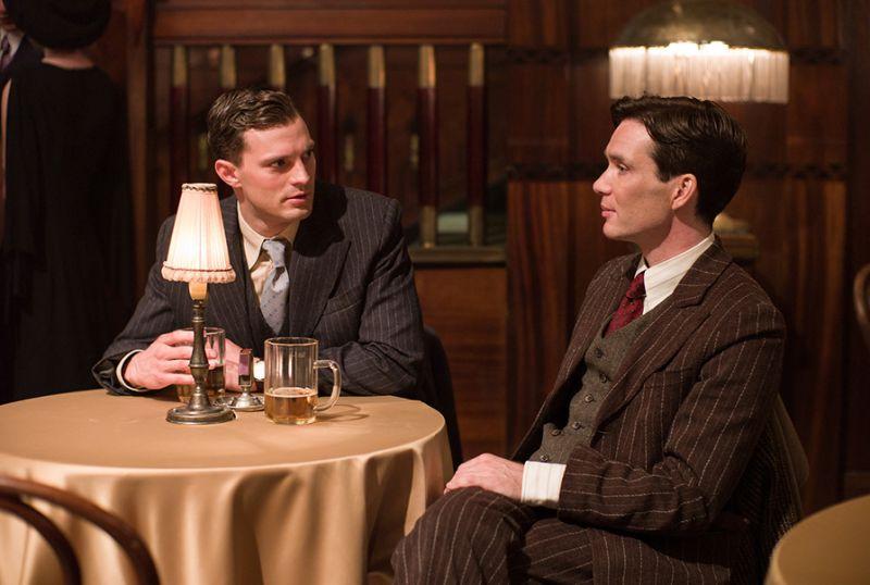 Here's your first look at #JamieDornan & #CillianMurphy in the WWII thriller  #Anthropoid: https://t.co/YJ1KjhQzHz https://t.co/C7deKd0Hnr