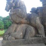 Sculpture of Lion Crushing an Elephant At Sun Temple , Konark https://t.co/xPmv2wqjYx