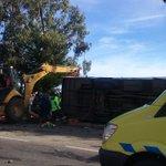 Informa @alegriagonzaa [12:07] 4 MUERTOS en volcamiento de bus en Ruta #Carahue - #Imperial (@kvyen) https://t.co/m6f55rV2Sg