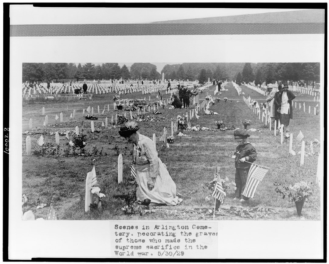 Times have changed but traditions continue @ArlingtonNatl #DontThankMe #Remember #MemorialDay https://t.co/CpUoBKtsut