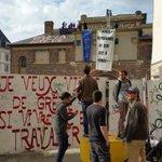 URGENT - La salle de la Cité vient dêtre réinvestie par des militants. Photo @lizuka. #Rennes https://t.co/srQ3QgTDse