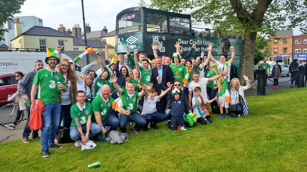 We have arrived. Great start to the day. Now... bring on the Dutch! #FootbALLorNothing #COYBIG https://t.co/bM7pu3YjW7