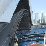 According to the @BlueJays the dome at Rogers Centre will be OPEN for tonights game https://t.co/a5wH3vsTZT