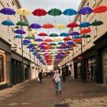 Umbrellas for the rainy #summer days in #Bath... #photography #ilovebath https://t.co/g0tXrP1BMi